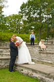 paret lurar bröllop Arkivbild
