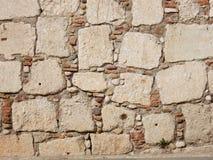 Parete in blocchi di pietra Immagini Stock