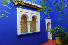 Parete blu al giardino del majorrelle Fotografia Stock