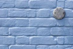 Parete blu con la targa di immatricolazione Fotografia Stock Libera da Diritti