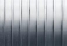 Parete brillante del metallo con l'irrigidimento delle linee della struttura Fotografia Stock Libera da Diritti