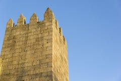 Parete, castello, medievale, di pietra, cielo blu, architettura, costruzione, castello, fortezza, medievale, gotica fotografie stock libere da diritti