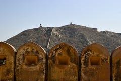 Parete circostante della fortezza di Amber Fort Fotografia Stock