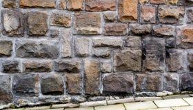 Parete cladded pietra con pavimentazione 1 Fotografia Stock