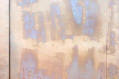 Parete con le macchie ed i punti di beige e di grigio Bella struttura di gesso e di pittura Un fondo insolito fotografia stock