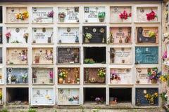 Parete cristiana italiana del cimitero di religione Fotografia Stock Libera da Diritti
