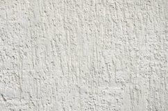 Parete del cemento leggero con le crepe fotografie stock libere da diritti