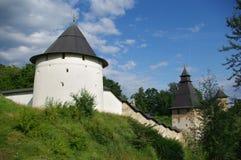 Parete del monastero di Pechorsky Immagini Stock