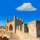 Parete della fortezza di Alcudia Città Vecchia in Maiorca Mallorca Immagini Stock Libere da Diritti