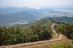 Parete della fortezza in montagna di Musu Fotografia Stock