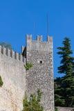 Parete della fortificazione nella repubblica di San Marino, Italia Immagini Stock