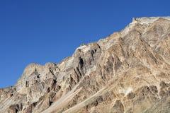Parete della montagna rocciosa fotografia stock libera da diritti