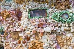 Parete della pietra preziosa e della roccia Immagini Stock Libere da Diritti