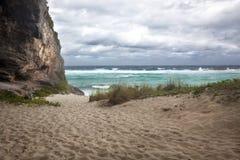 Parete della scogliera, porto di Mudjin, Caicos centrale Immagine Stock