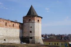 Parete della torre dell'angolo di Cremlino di Kolomna nella regione di Mosca Fotografie Stock