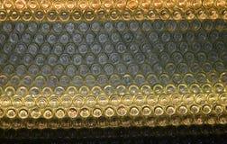 Parete delle bottiglie dalla regione del vino di Niederösterreich Immagini Stock