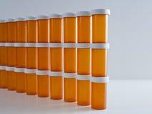 Parete delle bottiglie della medicina Immagini Stock