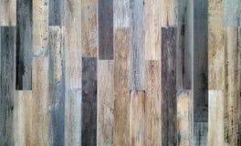 Parete di legno decorativa e variopinta d'annata immagine stock libera da diritti