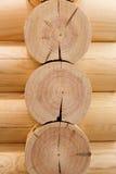 Parete di legno dei ceppi Immagini Stock