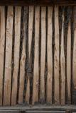 Parete di legno elegante della piccola casa dell'azienda agricola della riva del fiume di Ergun Fotografie Stock
