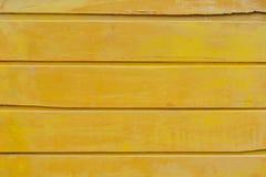 Parete di legno gialla immagine stock