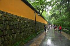 Parete di Lingyin Temple nel giardino Immagini Stock