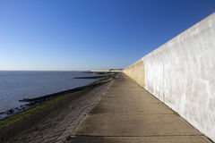 Parete di mare sul Canvey Island, Essex, Inghilterra Fotografia Stock Libera da Diritti