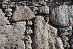 Parete di piccole e grandi pietre Immagini Stock Libere da Diritti