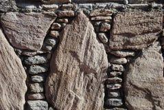 Parete di piccole e grandi pietre Fotografia Stock