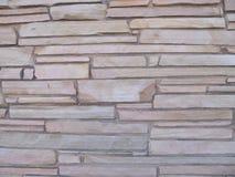 Parete di pietra Blocky con le pietre delle dimensioni differenti 3 fotografie stock