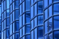 Parete di vetro blu di costruzione Fotografie Stock Libere da Diritti
