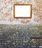 Parete e pavimentazione dorate vecchie del blocco per grafici Immagini Stock Libere da Diritti