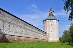 Parete e torre in fortezza antica Immagine Stock