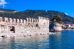 Parete esterna del castello in Nafpaktos Immagine Stock