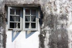 Parete esterna la finestra. Immagine Stock