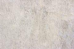 Parete grigio chiaro d'annata incrinata sporca di struttura della muffa del calcestruzzo e del cemento di vecchio lerciume o fond immagini stock libere da diritti