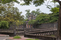 Parete imperiale della città ed il cancello di Hien Nhon Fotografia Stock