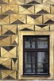 Parete impressionante della facciata con Windows Fotografia Stock