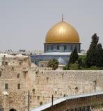 Parete lamentantesi di Gerusalemme e supporto del tempiale fotografia stock