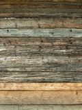 Parete marrone naturale di legno del granaio fotografia stock
