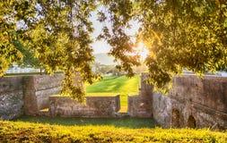 Parete medievale della fortezza a Lucca, Italia Fotografia Stock Libera da Diritti