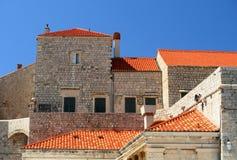 Parete medioevale della città di Dubrovnik - eredità dell'Unesco immagini stock