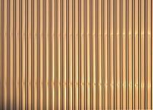 Parete ondulata dorata di alluminio del metallo Fotografie Stock Libere da Diritti