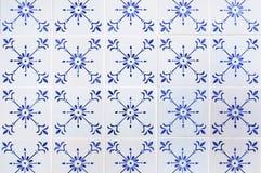 Parete portoghese della casa delle mattonelle fotografie stock libere da diritti