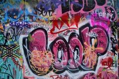 Parete riempita graffiti dipinta spruzzo Fotografia Stock Libera da Diritti