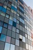 Parete a strisce dell'edificio per uffici Fotografia Stock Libera da Diritti