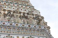 Parete tailandese di arte intorno a Wat Arun Rajwararam Fotografie Stock