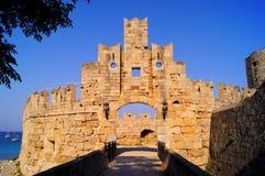 Pareti antiche di vecchia città della Rodi fotografia stock