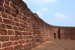 Pareti della fortificazione di Bekal fotografie stock