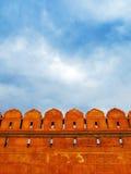 Pareti della fortificazione rossa al tramonto, a Nuova Delhi, l'India fotografie stock